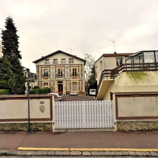 Les Nouvelles Charmilles - Enseignement supérieur privé - Saint-Germain-en-Laye