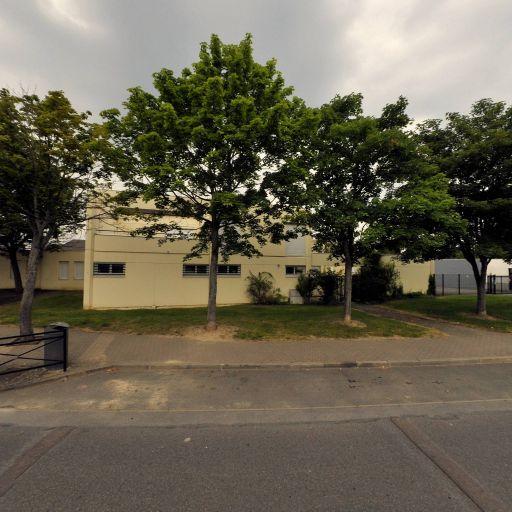 Parking Lycée - Parking - Évry
