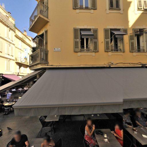 L'antiquaire Et La Mode - Dépôt-vente de vêtements - Cannes
