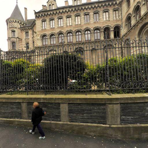 Ancien évêché - Attraction touristique - Angers