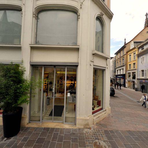 Free - Vente de téléphonie - Mulhouse