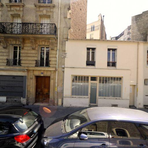Bettina a Paris - Fabrication de maroquinerie - Paris