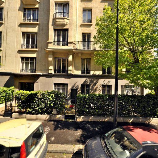 Stéphanie Veillard - Masseur kinésithérapeute - Paris