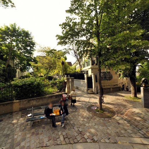 Buste De Dalida - Attraction touristique - Paris