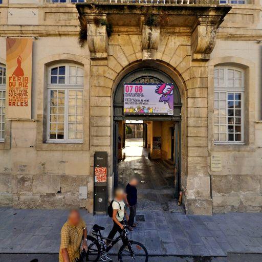 Place de la République - Attraction touristique - Arles