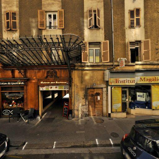 Pharmacie De La Poste - Pharmacie - Annecy