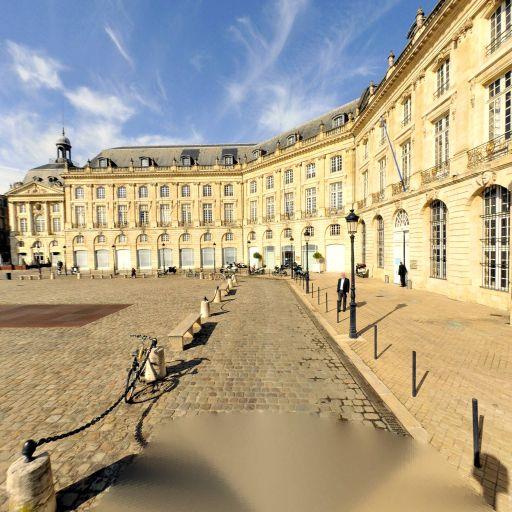 Miroir d'Eau - Attraction touristique - Bordeaux