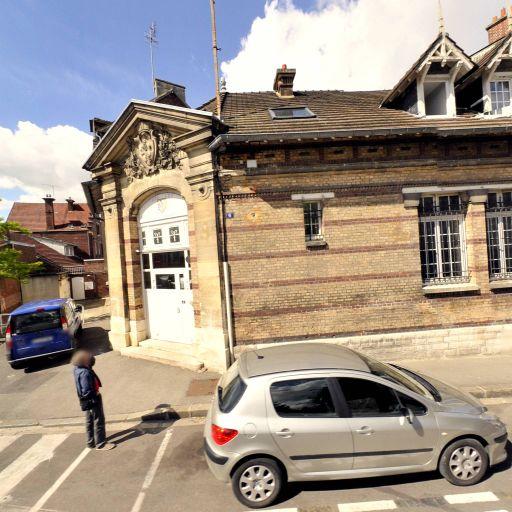 Mairie - Affaires sanitaires et sociales - services publics - Compiègne
