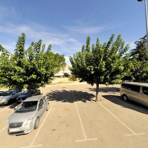 HÔTEL C SUITES**** chambres spacieuses, séjours thématiques - Restaurant - Nîmes