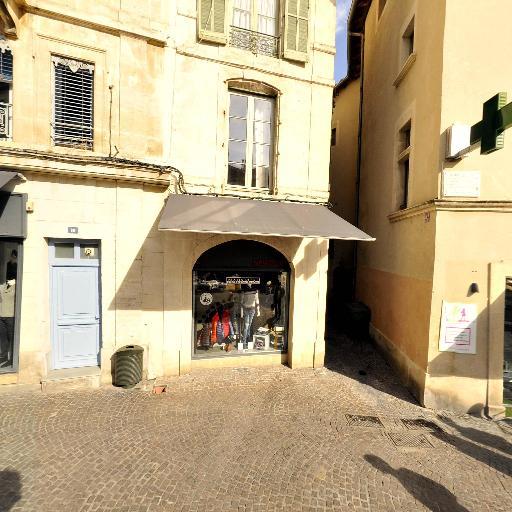 Pharmacie De La Cathedrale - Pharmacie - Nîmes