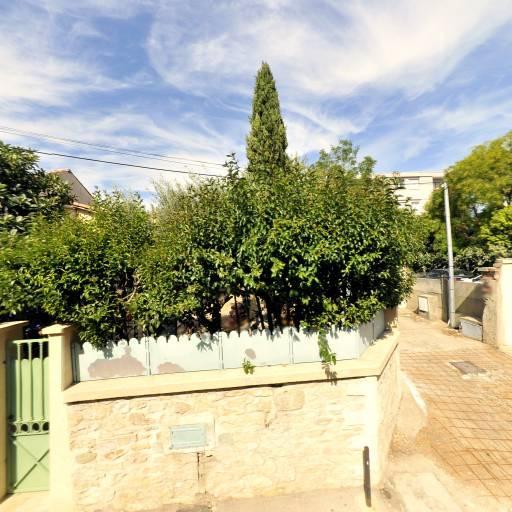 Nuances de bleu - Construction et entretien de piscines - Nîmes