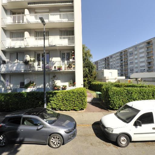 S.t.v Societe de Taxis de Vaulnavey le H - Taxi - Grenoble