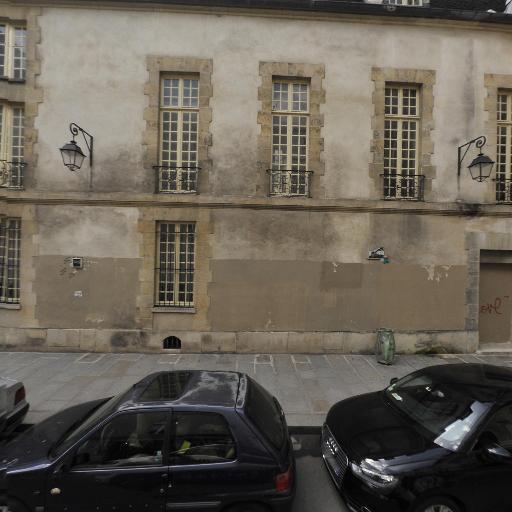 Emile Garcin Paris Le Marais - Agence immobilière - Paris