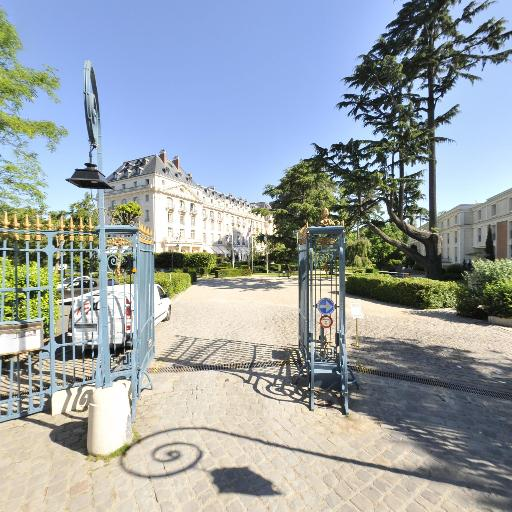 Spa Trianon - Fabrication de saunas, hammams et spas - Versailles