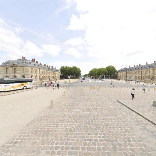 Statue Equestre de Louis XIV - Attraction touristique - Versailles