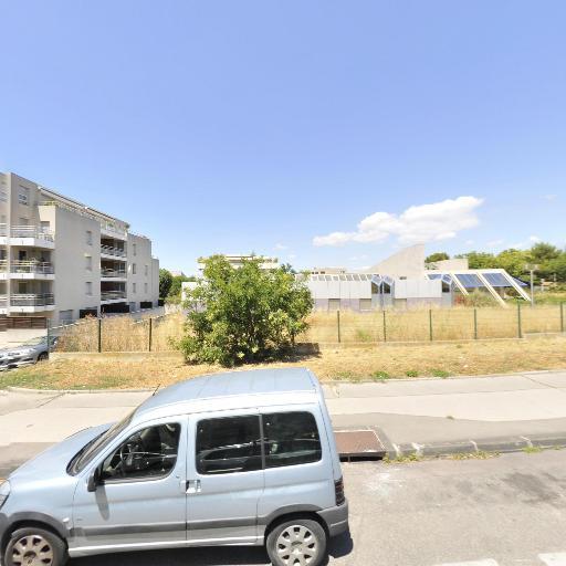 Tennis la Castellane - Terrain et club de tennis - Marseille