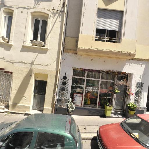 Daniel Manna - Soins hors d'un cadre réglementé - Marseille