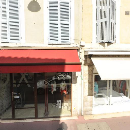 Dix - Vêtements femme - Bourg-en-Bresse