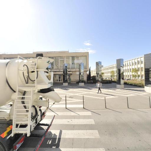 Mairie - Centre culturel et maison des arts - Villeurbanne