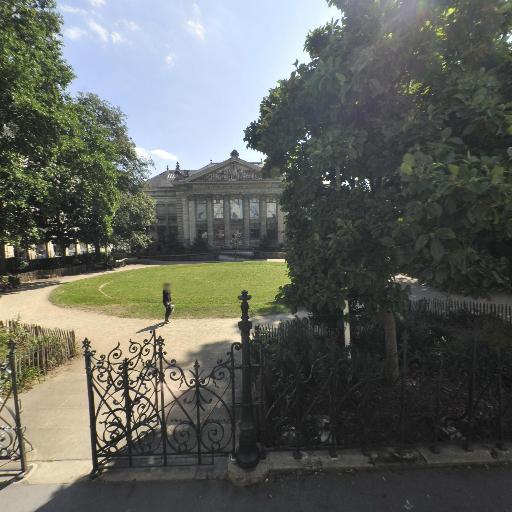 Place De La Monnaie - Square Docteur Louis Bureau - Parc et zone de jeu - Nantes