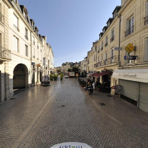 M. Corne Jean-Claude - Expert en antiquités et objets d'art - Poitiers