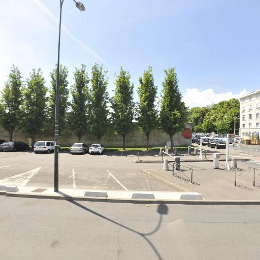 Parking 8 Mai 1945 - Parking - Villefranche-sur-Saône