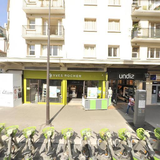 Station Vélib' Commerce - Letellier - Vélos en libre-service - Paris
