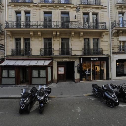 Boutique De Fursac Marbeuf - Vêtements homme - Paris