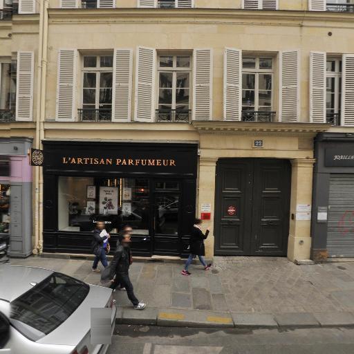 Launay Liliane - Agencement de magasins - Paris