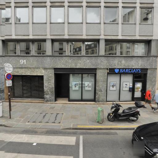 First Live Communication - Agence marketing - Paris