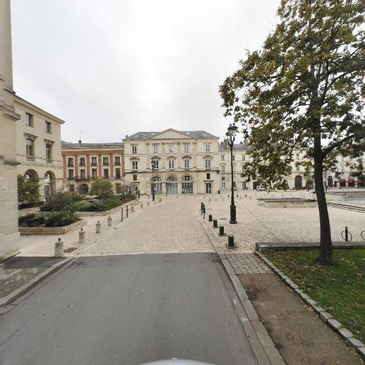 Hôtel de préfecture du Loiret - Attraction touristique - Orléans