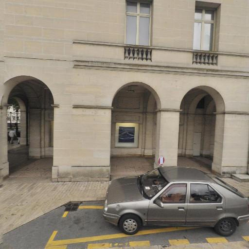 Bibliothèque du musée des Beaux-Arts - Bibliothèque et médiathèque - Orléans