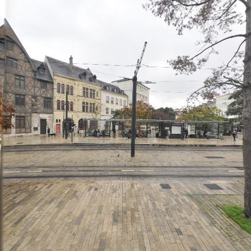Jardin Jacques-boucher - Parc et zone de jeu - Orléans