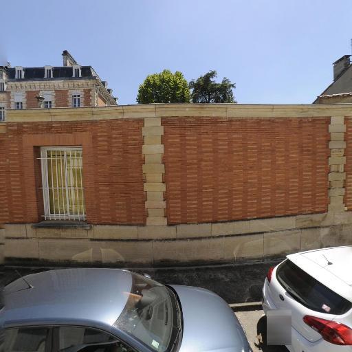 Banque De France - Banque - Montauban