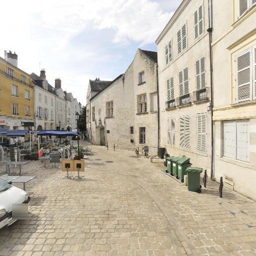 Petit Jardin De La Place De L'abbe-desnoyers - Parc et zone de jeu - Orléans